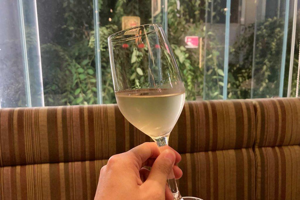 東京,神楽坂,ビストロ,ボヌール,ワイン,チーズ,肉,おすすめ,白ワイン