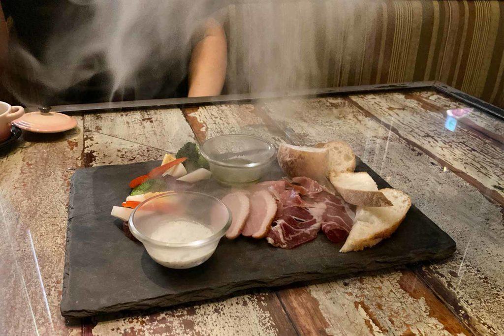 東京,神楽坂,ビストロ,ボヌール,ワイン,チーズ,肉,おすすめ,盛り合わせ